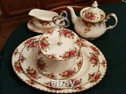 ROYAL ALBERT Old Country Roses Fine Bone China 12-Place Setting Rare Accessories